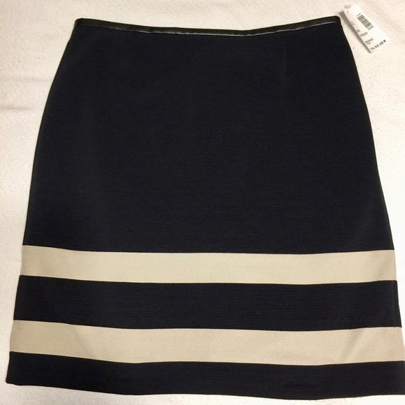 c1d2e8fb Hugo Boss Dresses & Skirts - Hugo Boss Black and Gold Skirt